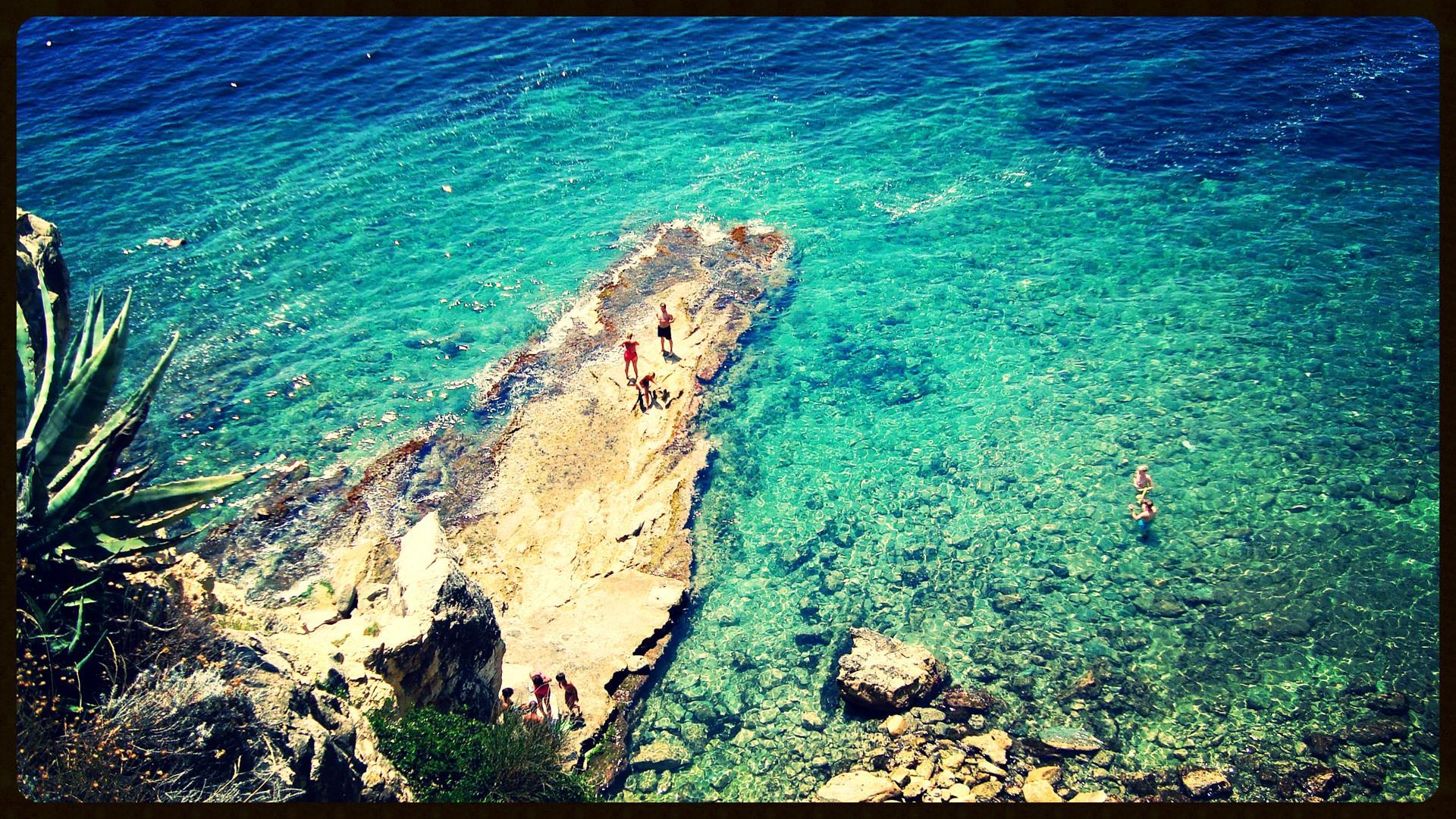 The hidden bach at Cap Blanc Moraira